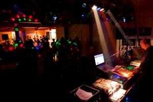 DJ-300x200