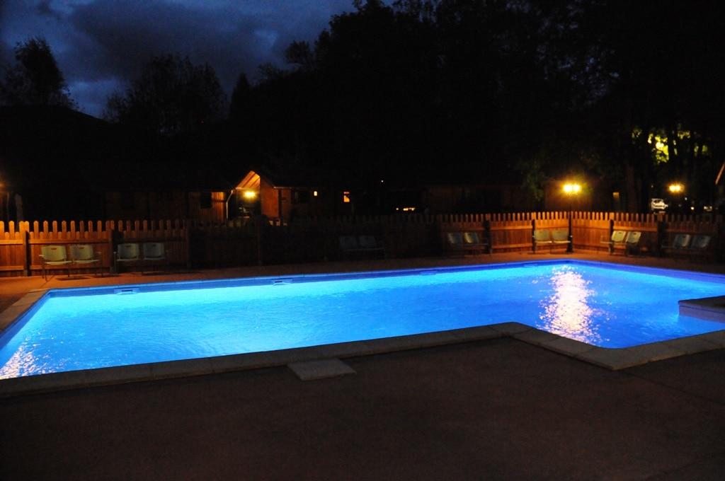piscine-de-nuit